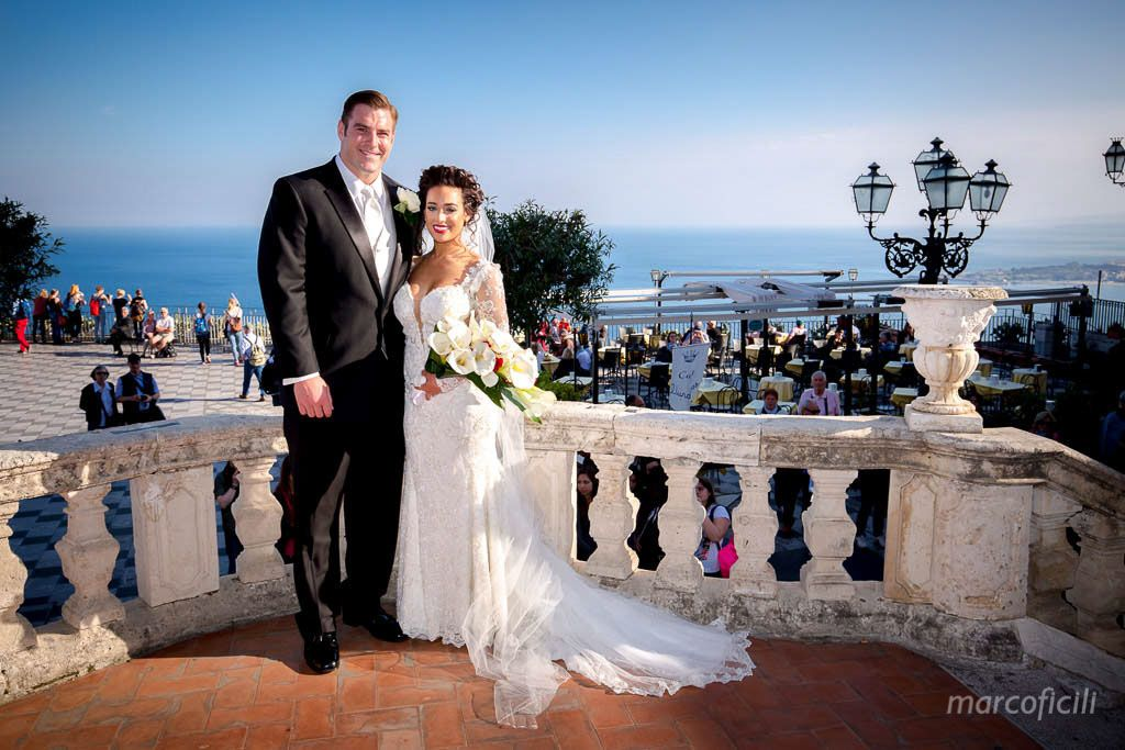 Bride & Groom in San Giuseppe Church in Taormina! Great sea view
