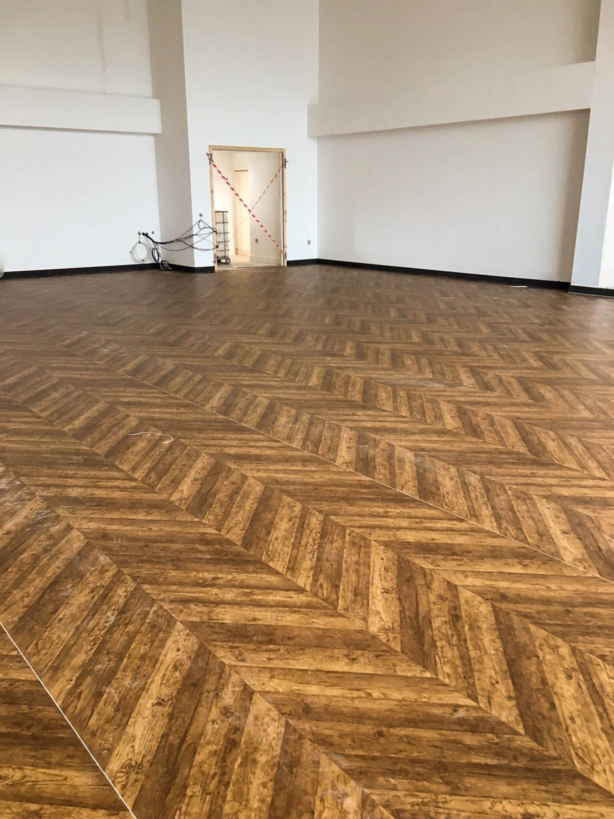 Polyflor Expona Flow Reclaimed Chevron Installed By S D Flooring At Ron Dearing Utc Hull