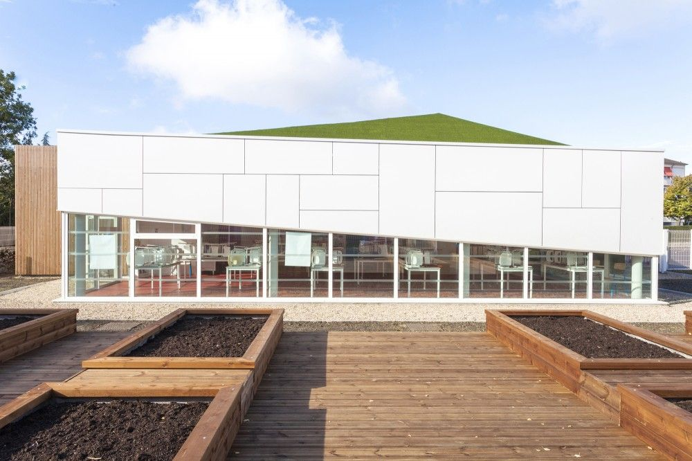 Pajot School Canteen / Atelier 208