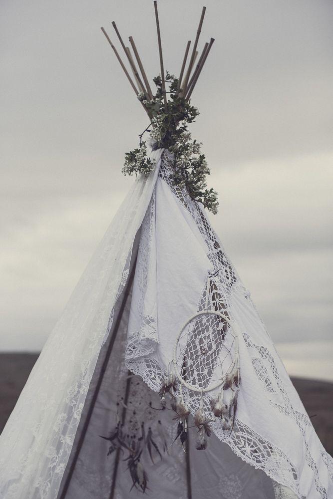 An Original 1970'S Wedding Dress For A Luxe Boho Bridal Shoot With Smores - The Gallery - Wedding Blog | The Wedding Bazaar