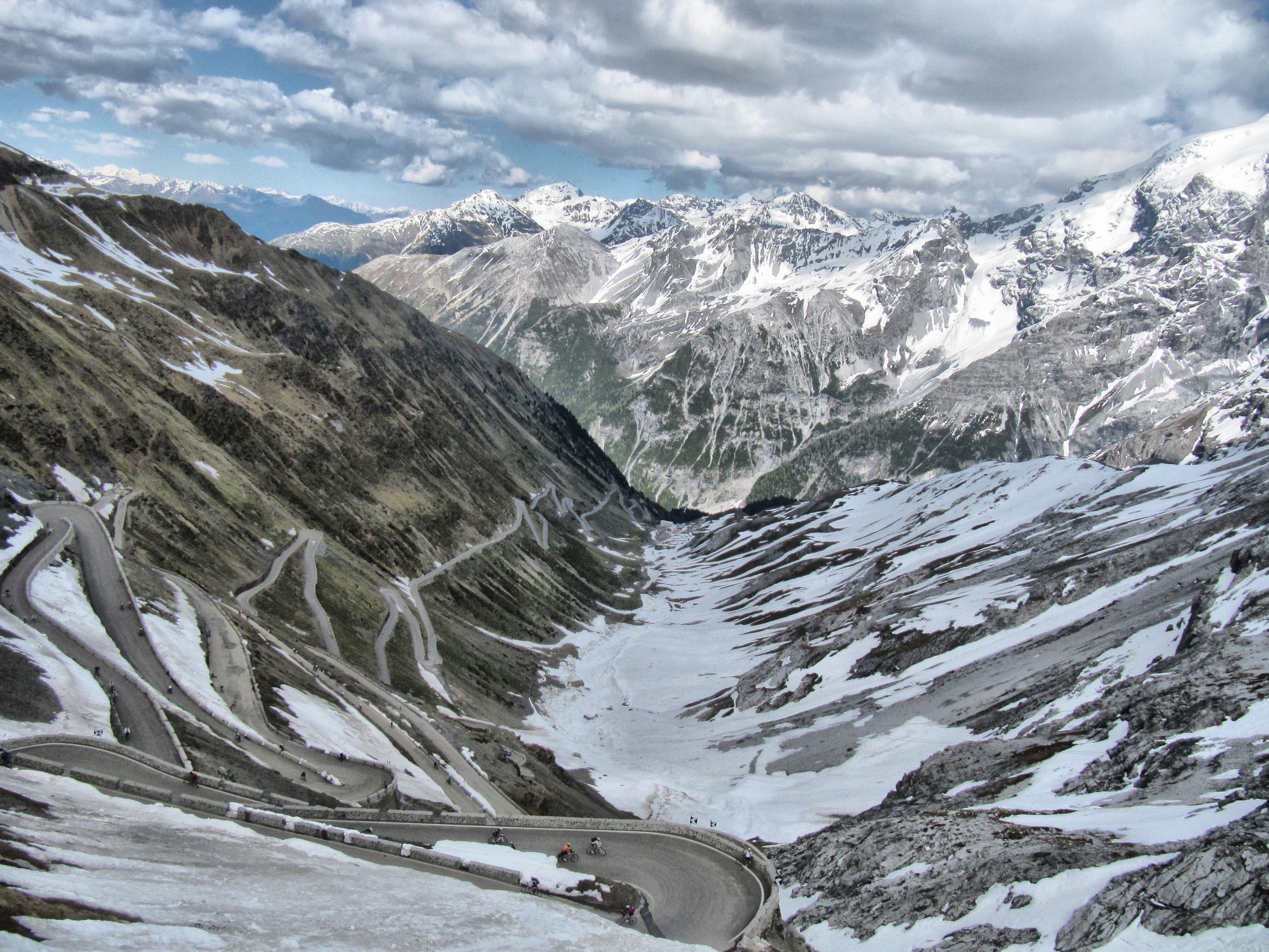 The Stelvio Pass In 2020 Bike Experience Bike Rental Excursions