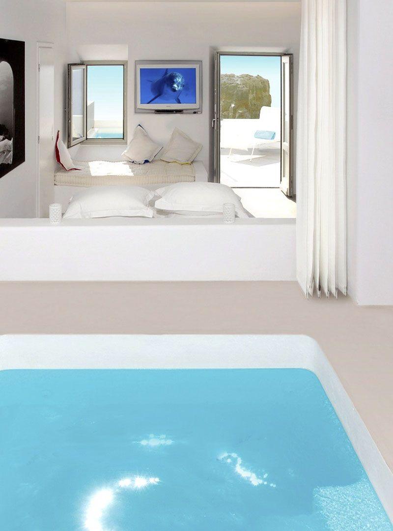 Room With Pool Inside In Grace Hotel In Santorini Myhouseidea Hotel Interior Design Hotels Design Santorini Hotels