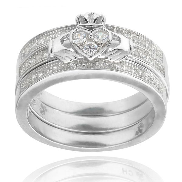 Journee Collection Sterling Silver Cubic Zirconia Celtic Claddagh