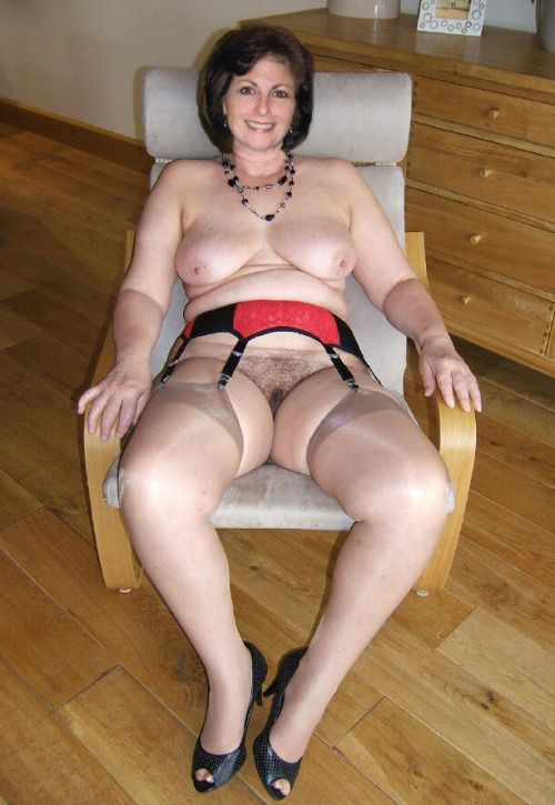 Erotic older women submissive