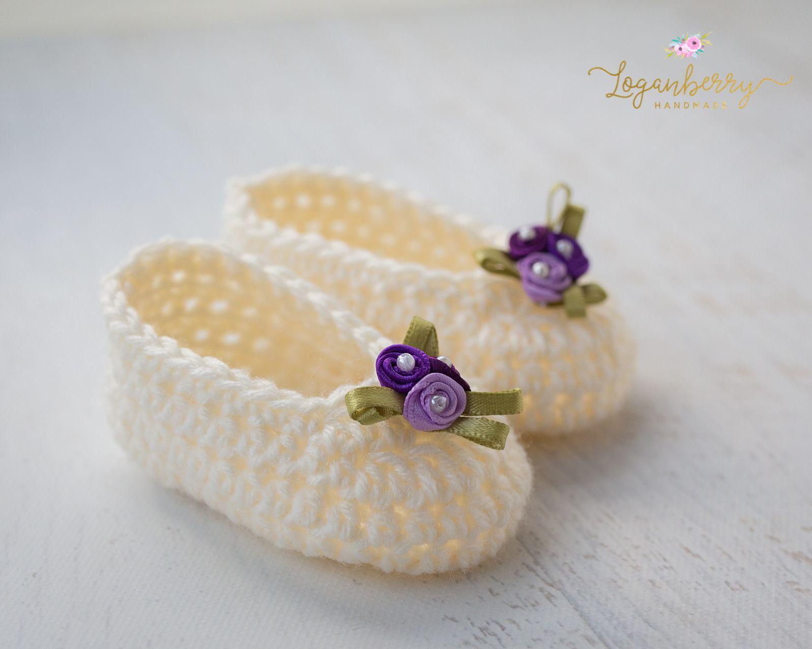 Crochet Baby Slippers + Free Pattern, crochet baby shoes, crochet ...