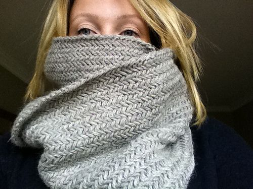 Ravelry: Project Gallery for Big Herringbone Cowl pattern by Purl ...