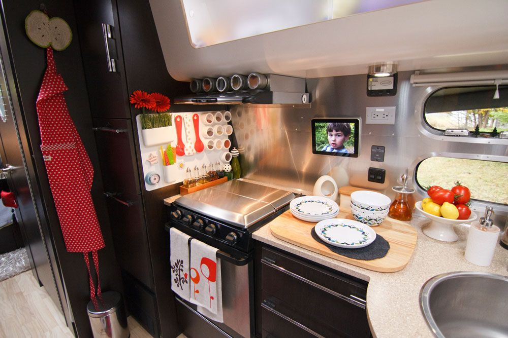Inside an AWESOMELY REMODELED Airstream Travel Trailer @Todd Perry Perry Perry Click & Inside an AWESOMELY REMODELED Airstream Travel Trailer @Todd Perry ...