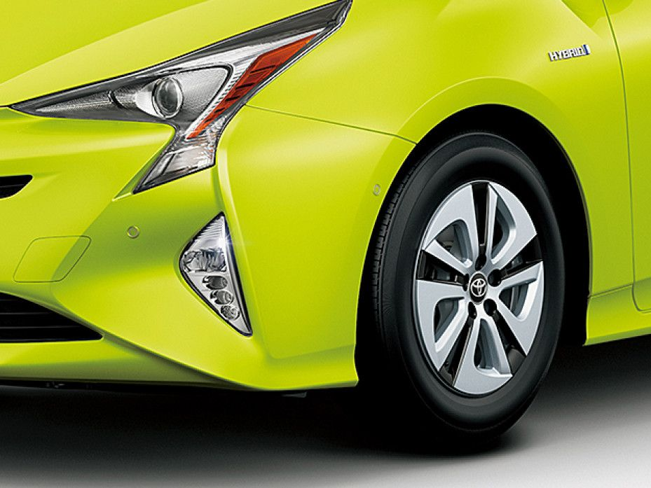 Toyota's Lime Green Paint May Be Ugly, But It Can Cut Gas