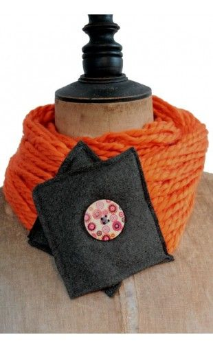 Echarpe col laine - ORANGE http   eva-arlettaz.com echarpes-fait ... 4da63095d74