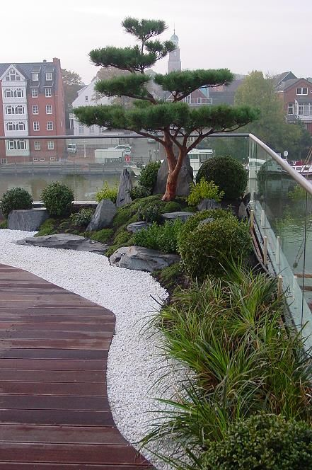 Photo of Japansk hage på takterrassen, fantastisk bor i en penthouse med Japanga …