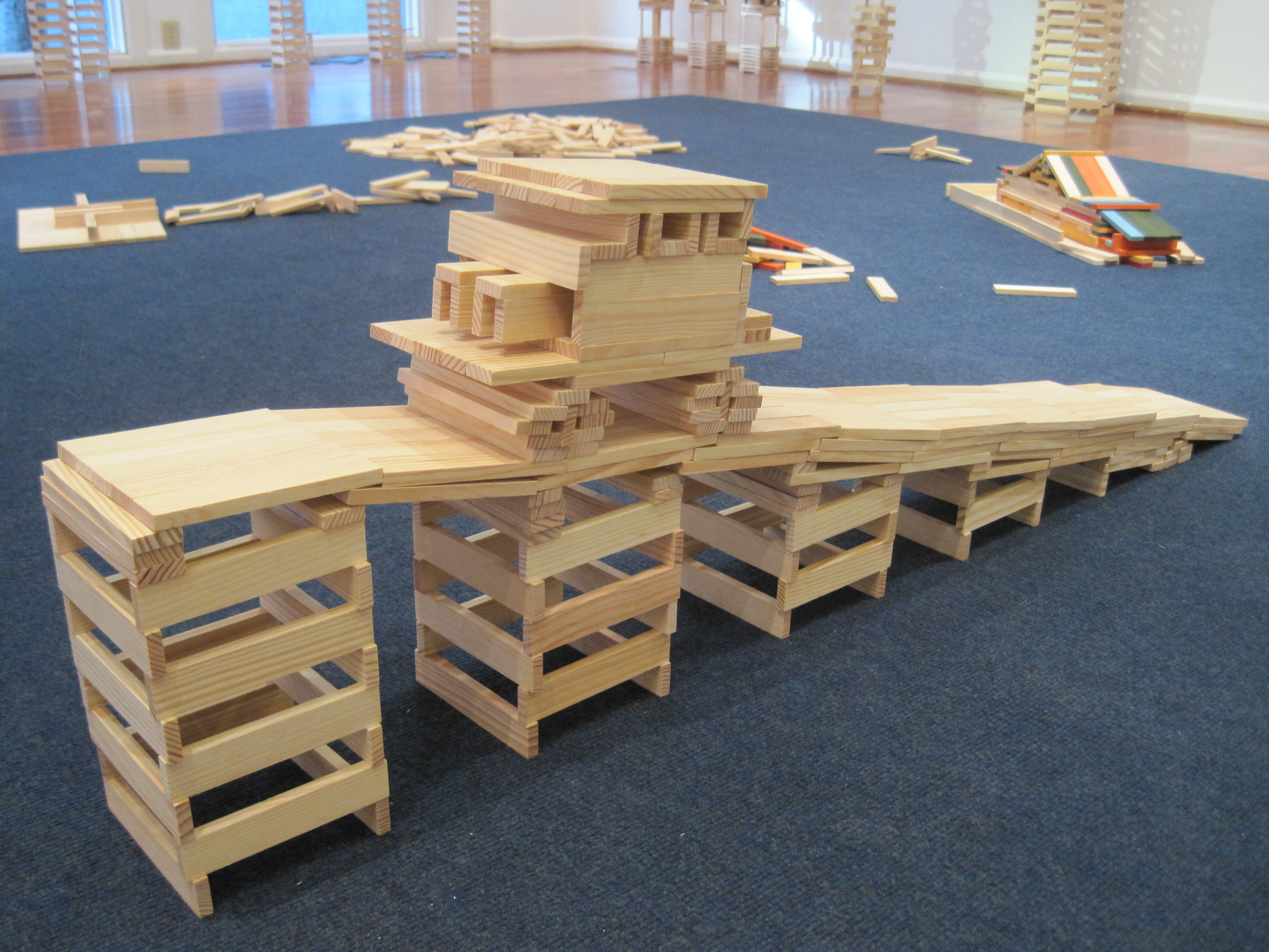 This KAPLA bridge challenges young minds This