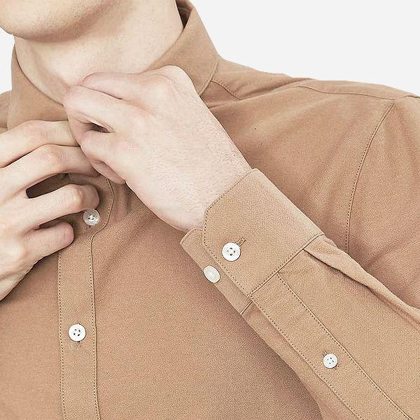 Klassisches Slim-Fit-Hemd mit Knopfleiste und Tab-Kragen: http://sturbock.me/?s=hemd&color=7453