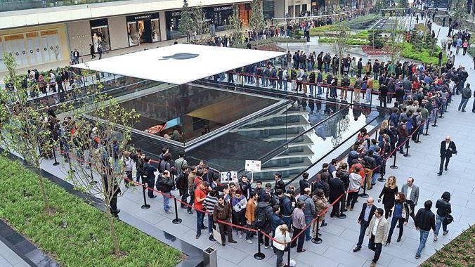 Apple Türkiye Mağazası, Apple'a Ödül Kazandırdı http://www.Teknolojik.Net/apple-turkiye-magazasi-applea-odul-kazandirdi/detay/