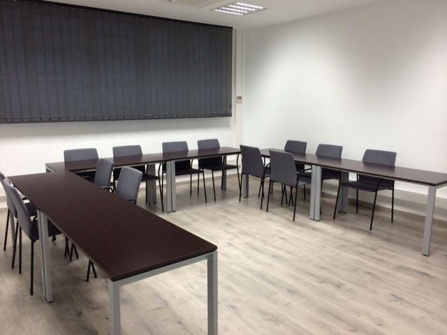 Gran sala de reuniones 4