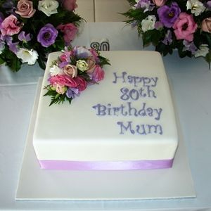 Cake Wonderland Fresh flowers birthday cake Cake Decoration