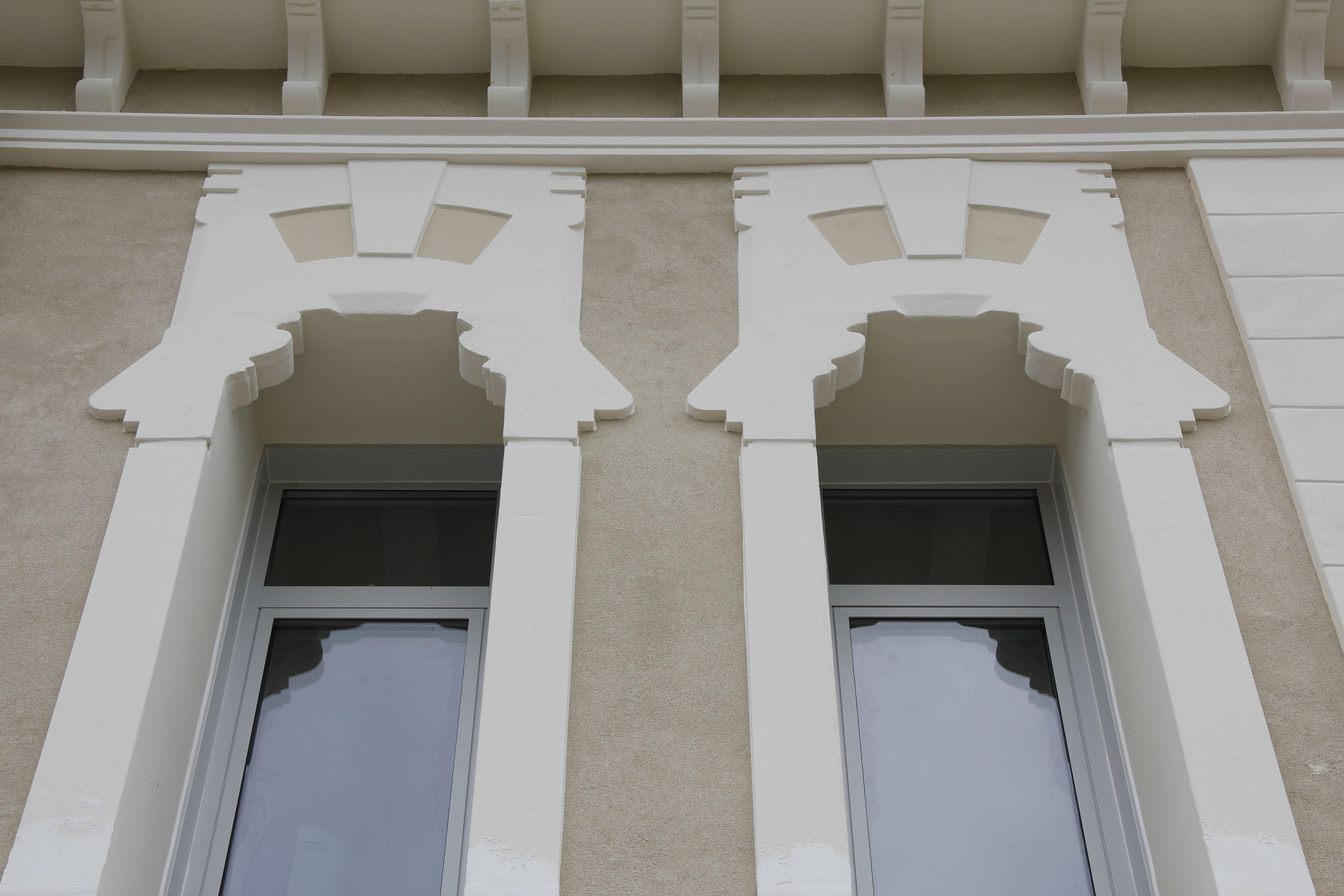 Cornici per finestre decori finestre decorazioni in polistirolo per esterni cornici per - Decori per finestre esterne ...