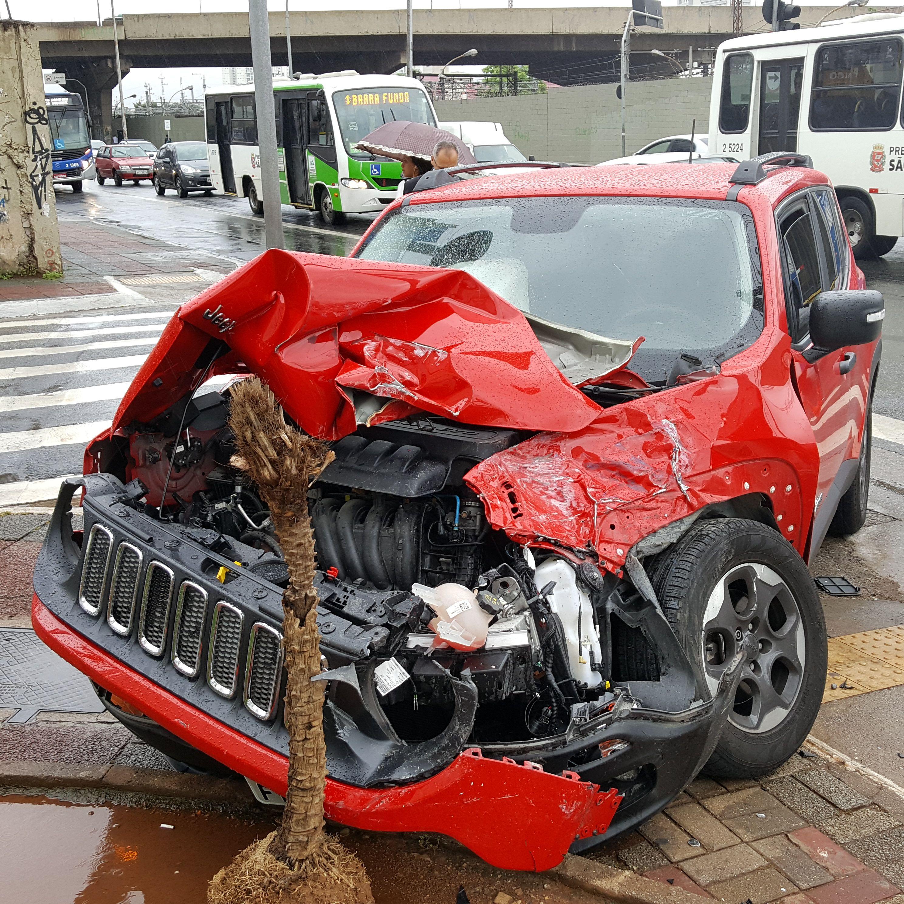 18 January 2016 (933) / A crashed Jeep Renegade SUV
