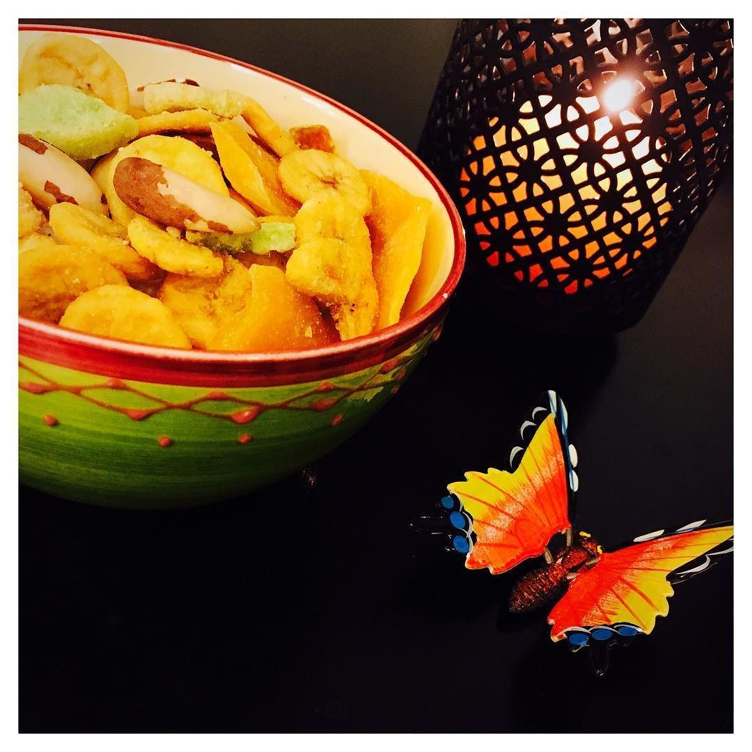#rennes #chateaugiron #sister #soeur #papillon #buterfly #color #couleur #bresil #brasil #brazil #noixdubresil #mangue #fruit #exotique #banane #kiwi #caraibes #lareunion #mangue #fruitdelapassion #passion #vegan #vegetarian #974 #bzh by ell_o0o