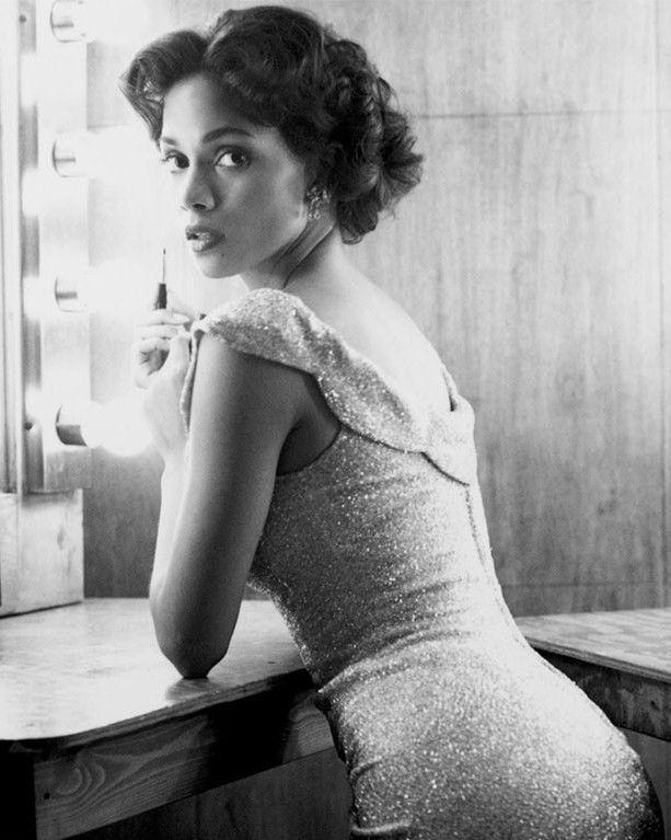 Halle Berry 8x10 Photo 023