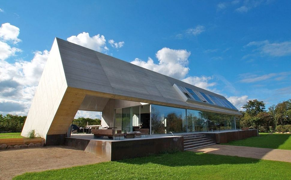 Minimalist Home With Unique Interpretation Of Gabled Roof Architecture Roof Architecture Architecture House