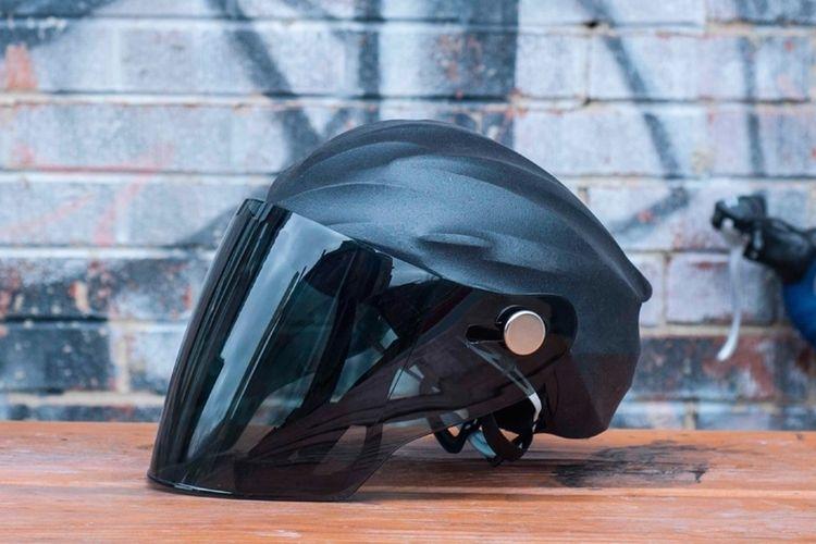 Use Vizorx To Add A Full Face Shield To Any Cycling Helmet
