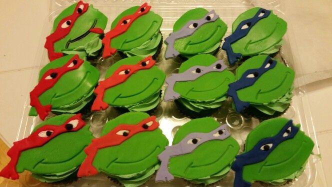 Kawabunga Baby!   Ninja turtle cupcakes.