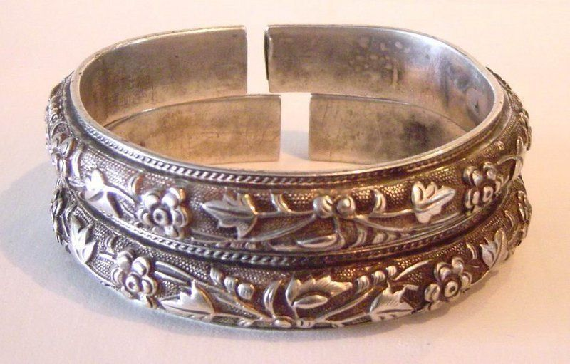 Pair Of Antique Chinese Silver Bracelets For Antiques Clifieds