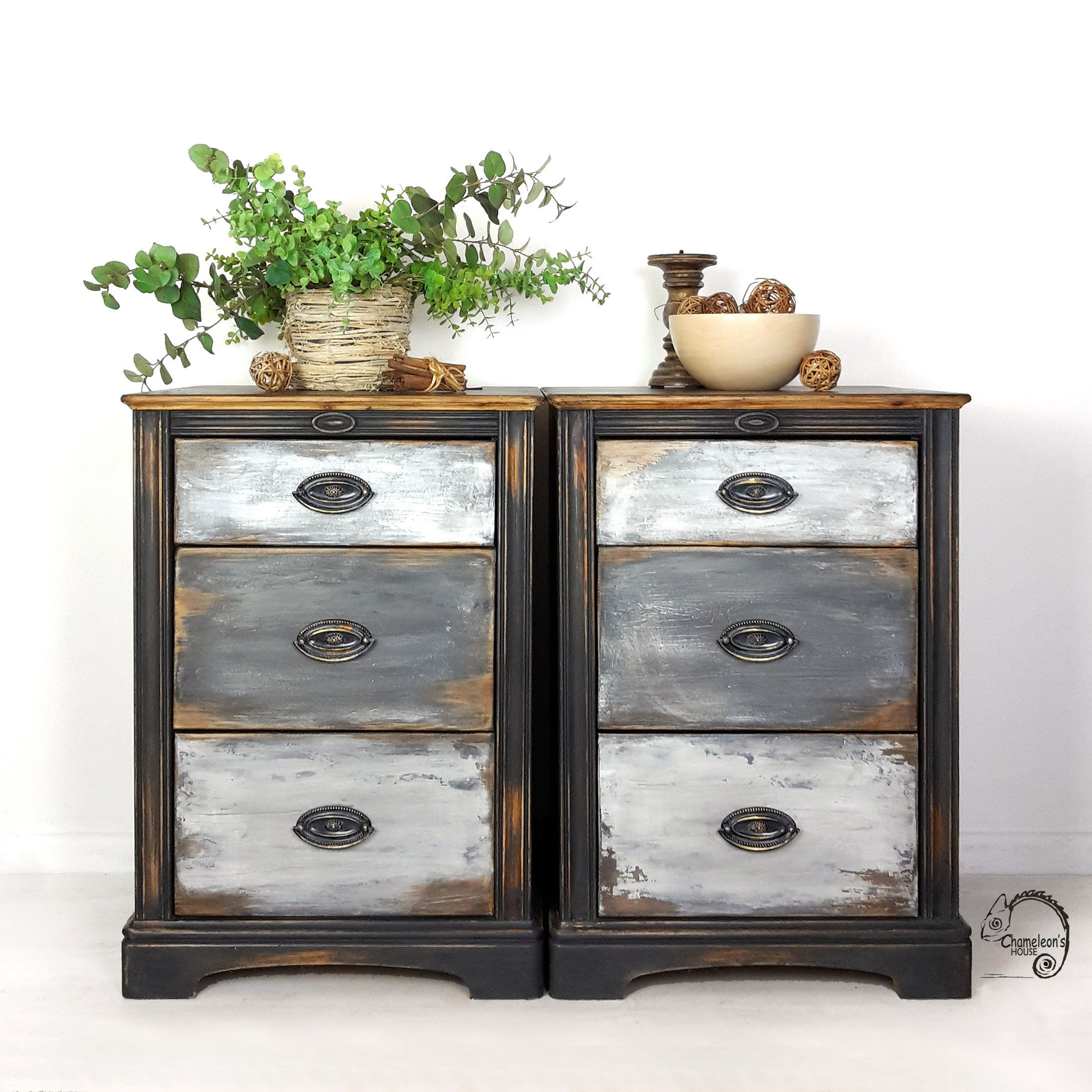 Pair Of Painted Bedside Tables Bedside Cabinets With Drawers Distressed Furniture Painted Drawers Hand Painted Furniture Uk Painted Bedside Tables Distressed Furniture Painting Vintage Industrial Furniture