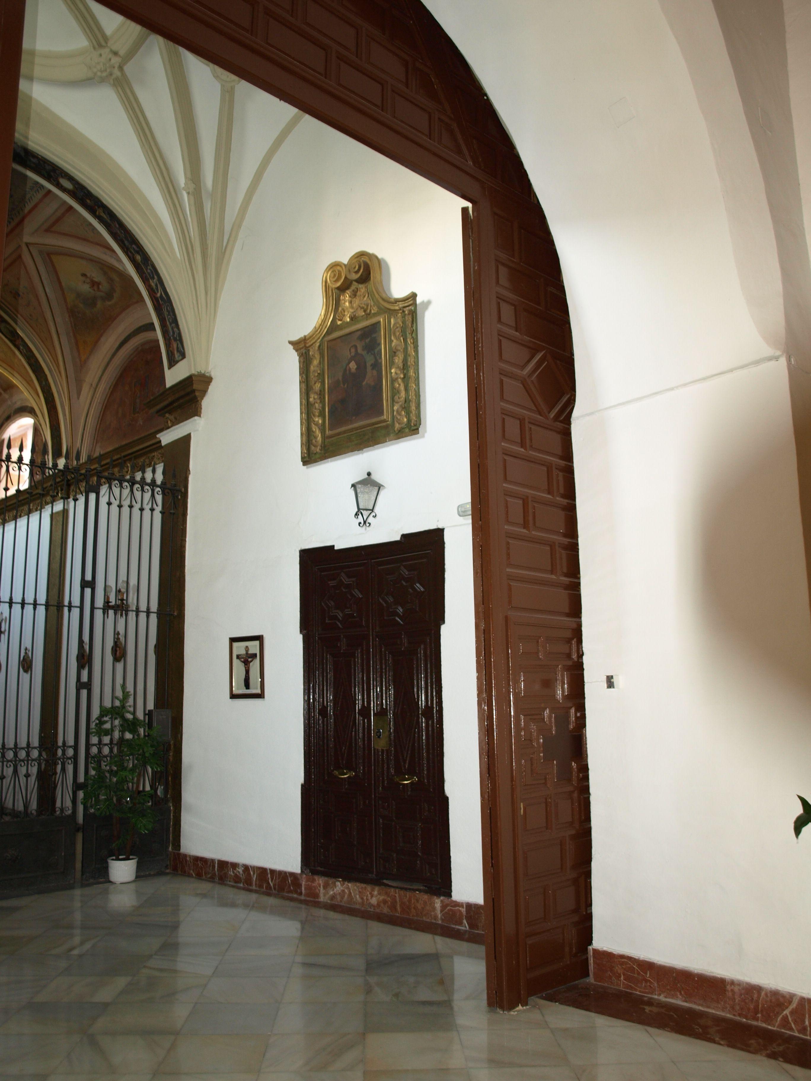 entrada a la sacrisitia del templo