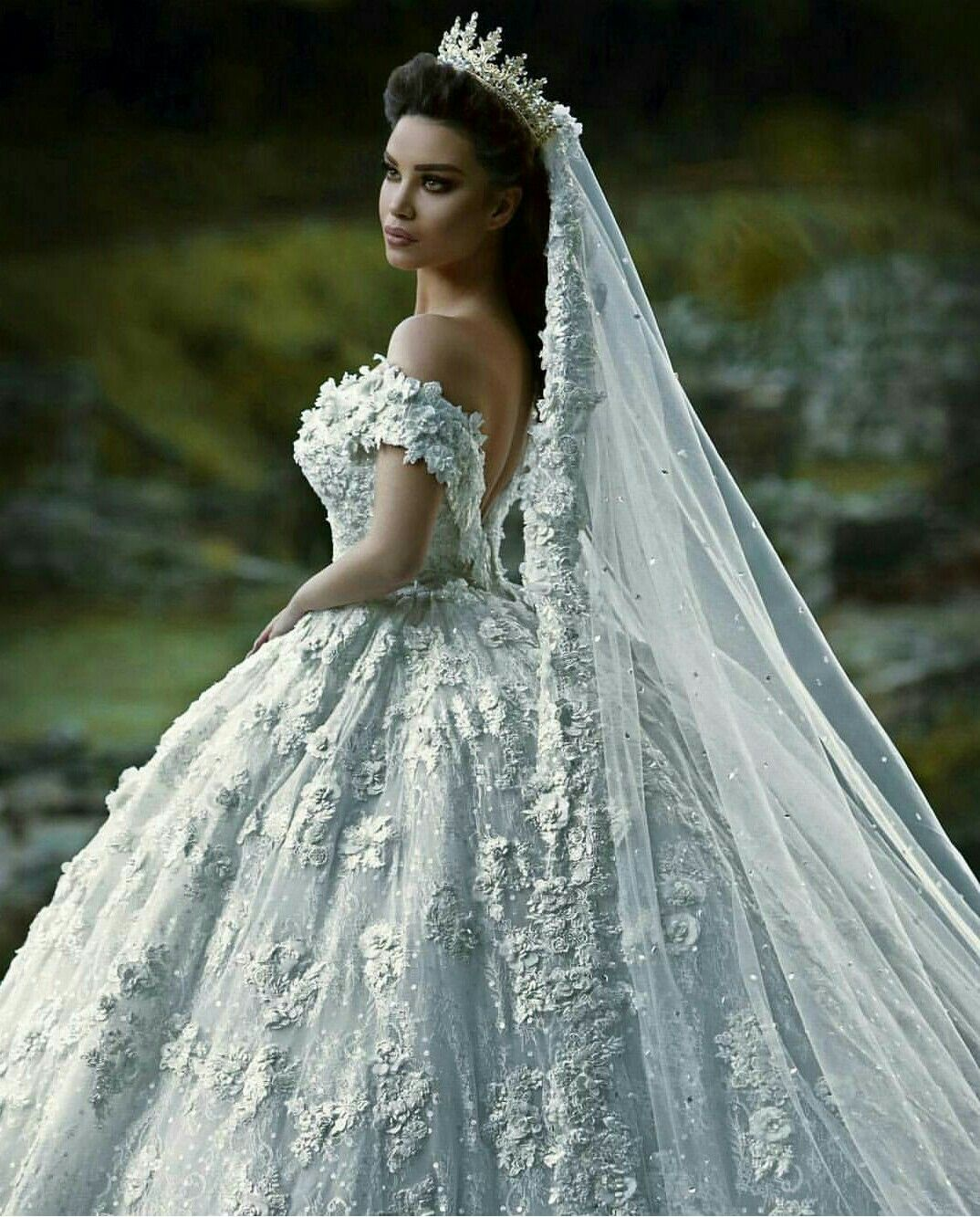 Pin de Windy Mazie en Bridal gowns | Pinterest | Vestiditos, Novios ...