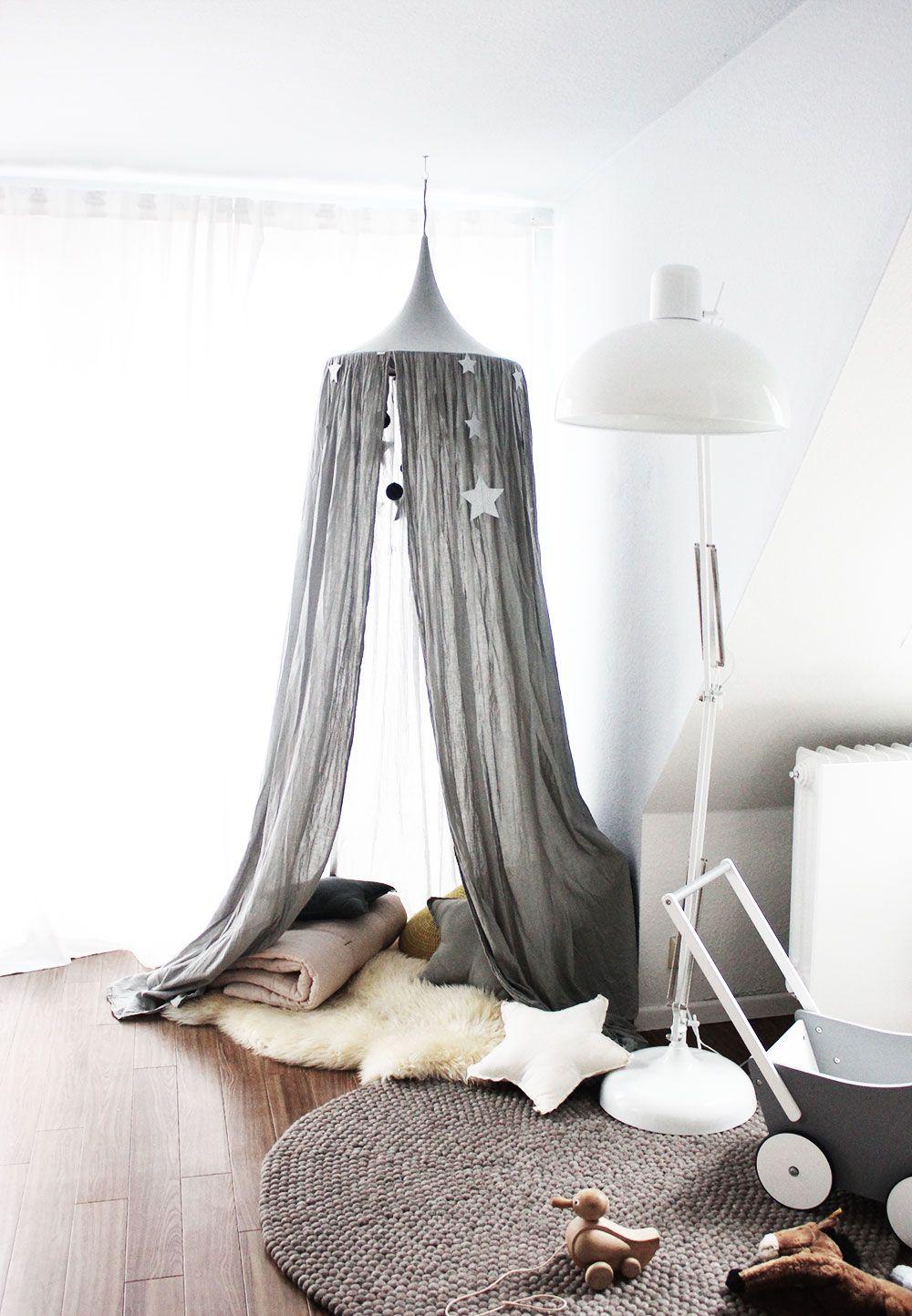 da ist sie s hnchens spielecke in unserem wohnzimmer kinderzimmer pinterest spielecke. Black Bedroom Furniture Sets. Home Design Ideas