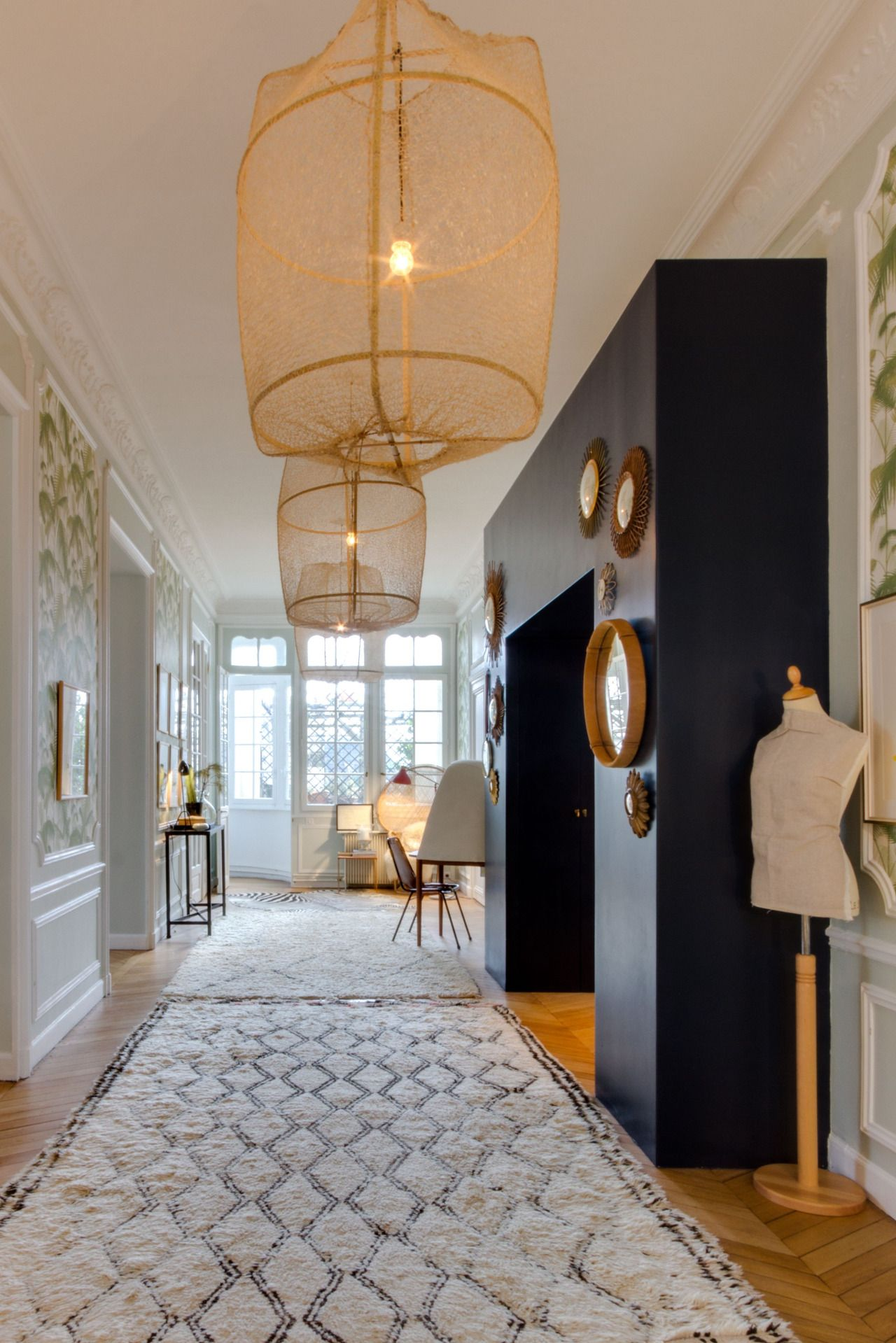 stylish-homes: The hallway of an apartment in... - Creative Houses ...