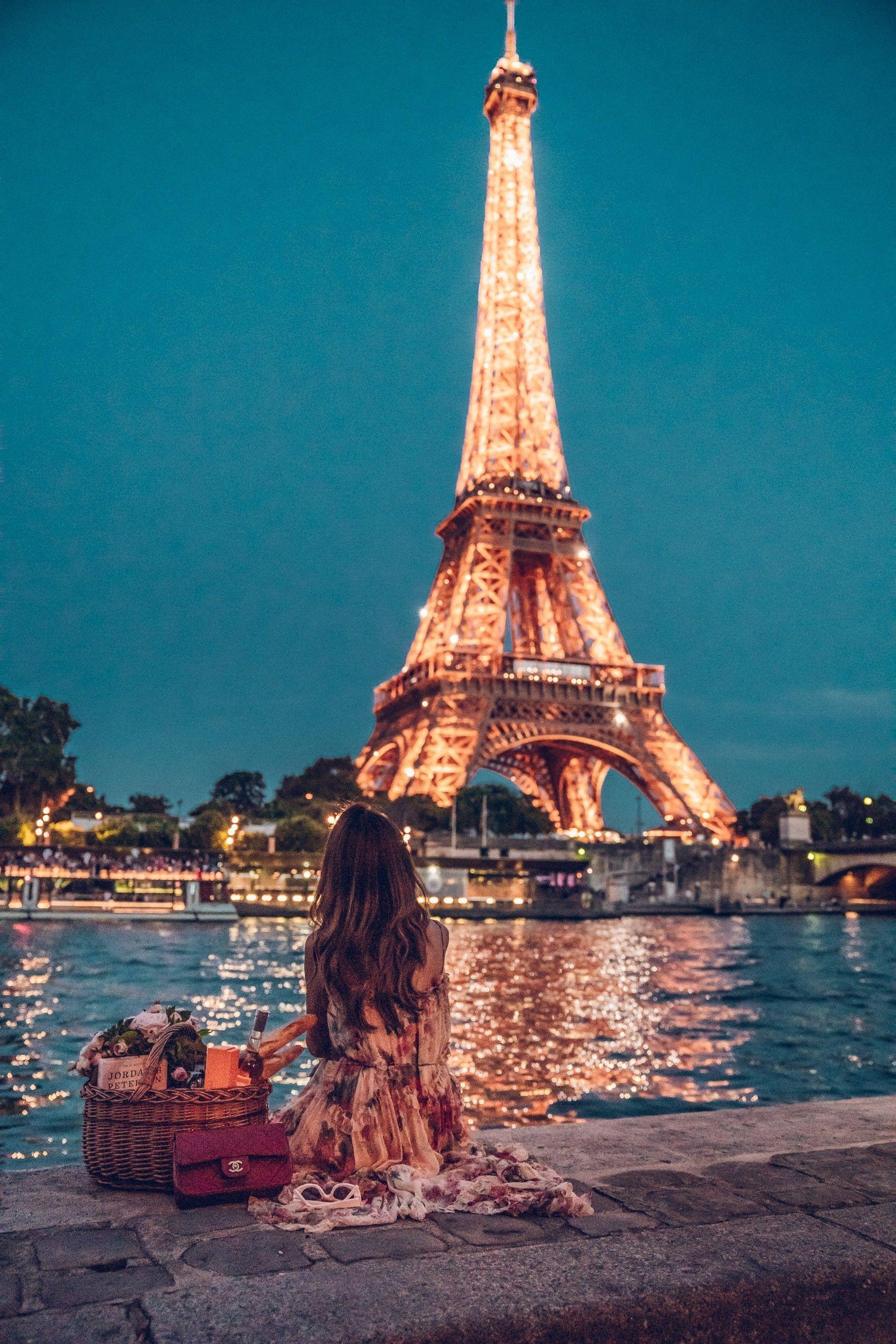 Picnic At Eiffel Tower Vivaluxury Paris At Night Paris Photography Paris Pictures