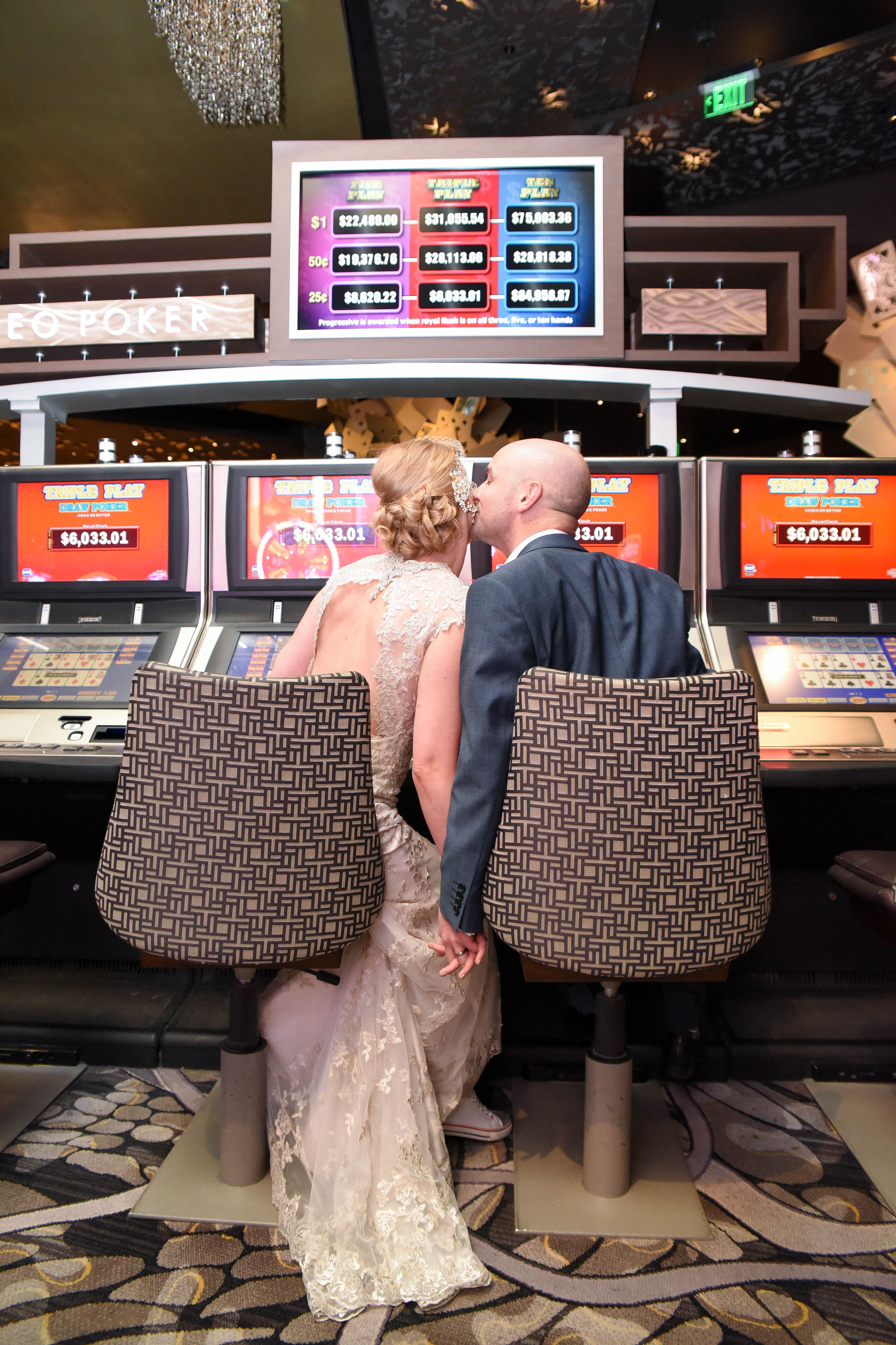 Vegas Themed Wedding Getting Married In Las Vegas Take A Couple Of