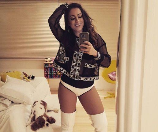 Anitta se consagrou como uma das maiores artistas do Brasil na atualidade. Ainda assim, a cantora não perde o vínculo com os internautas que a seguem