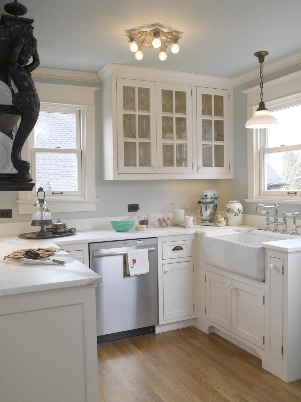 Rooms viewer hgtv köögid pinterest light blue kitchens