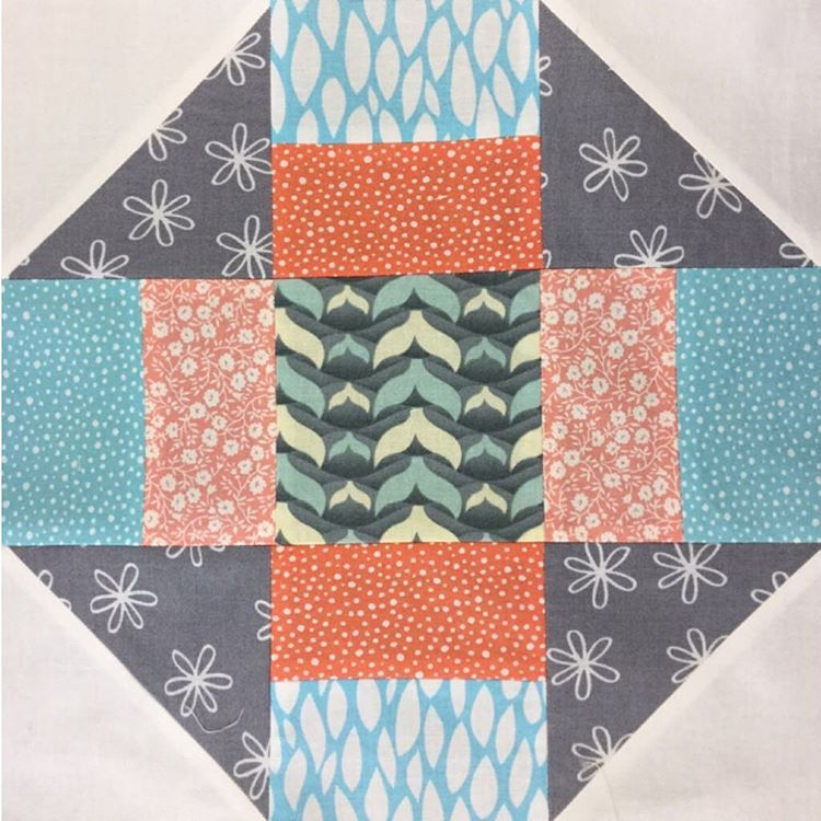 This is a Churn dash quilt block. You can find the #videotutorial on my blog. #sewing #stitching #patchwork #quilting #churndash