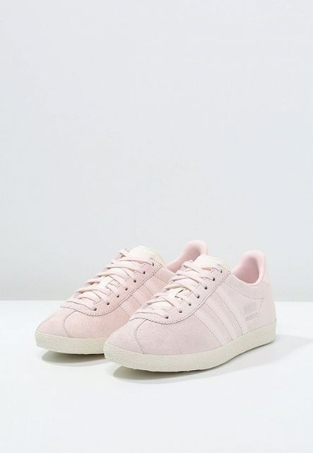 8d452fd34c Sneaker trends: pastel colors for Spring-Summer 2016 (The Blonde ...