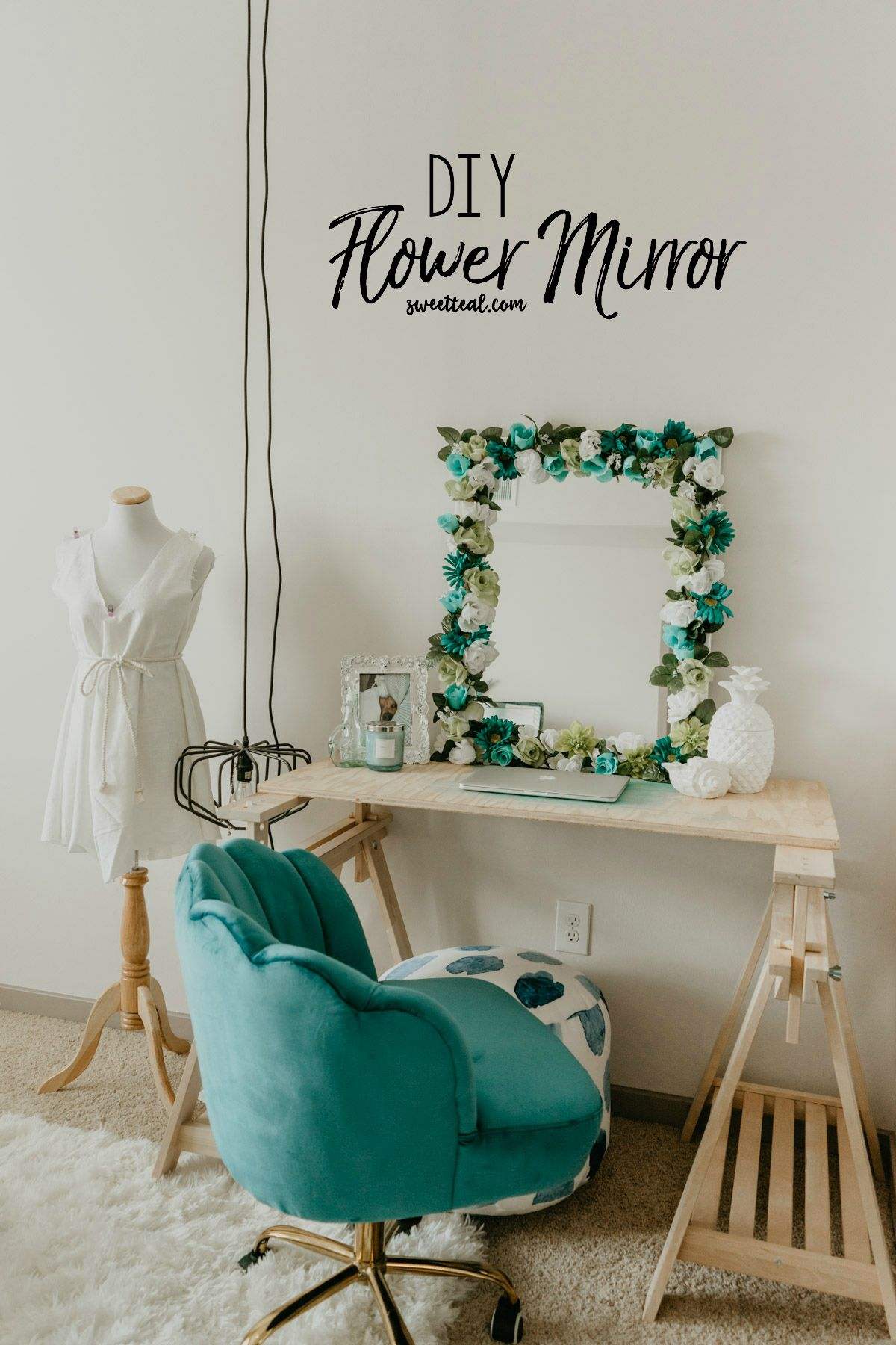 DIY Flower Mirror (With images) Girly room decor, Flower