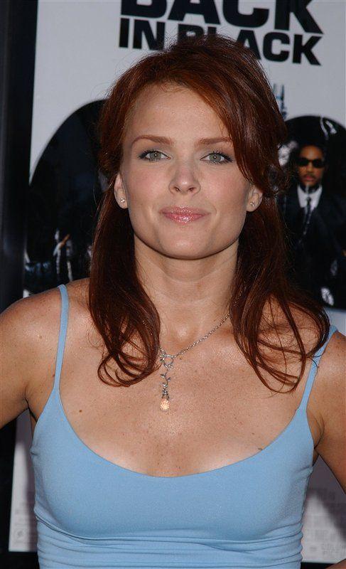 51-år gammel 170 cm høy Dina Meyer i 2020