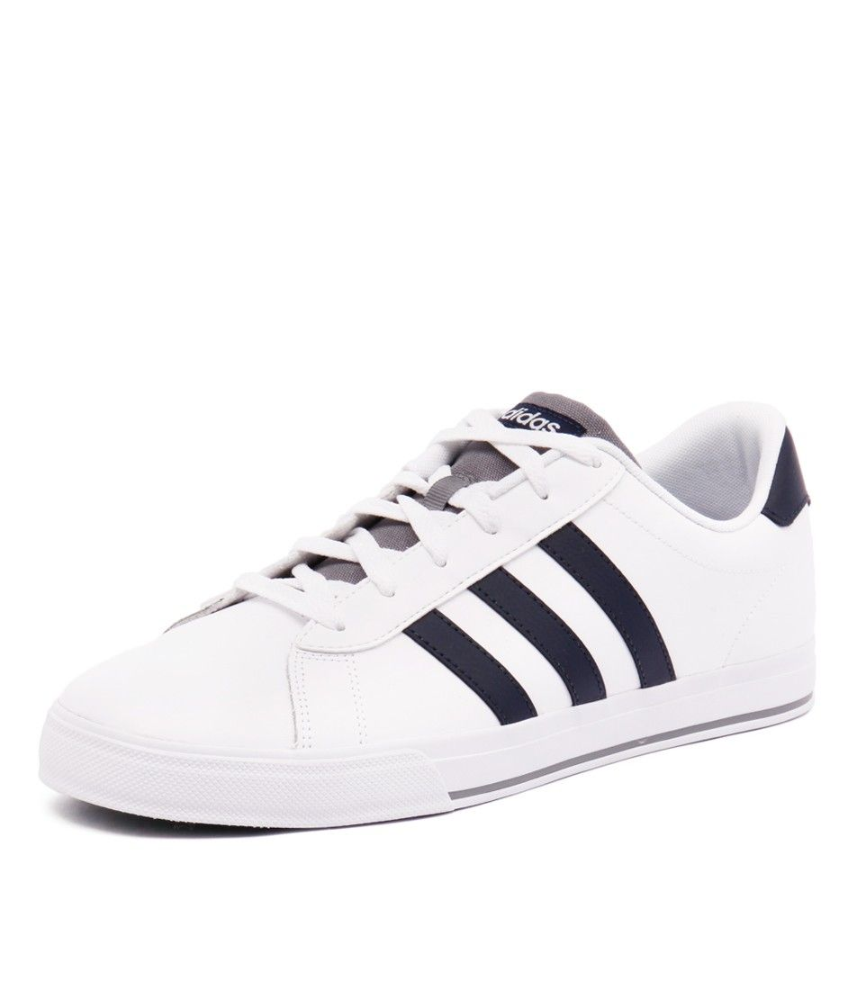 Great for everyday style, this skate shoe is high on performance and style.  The