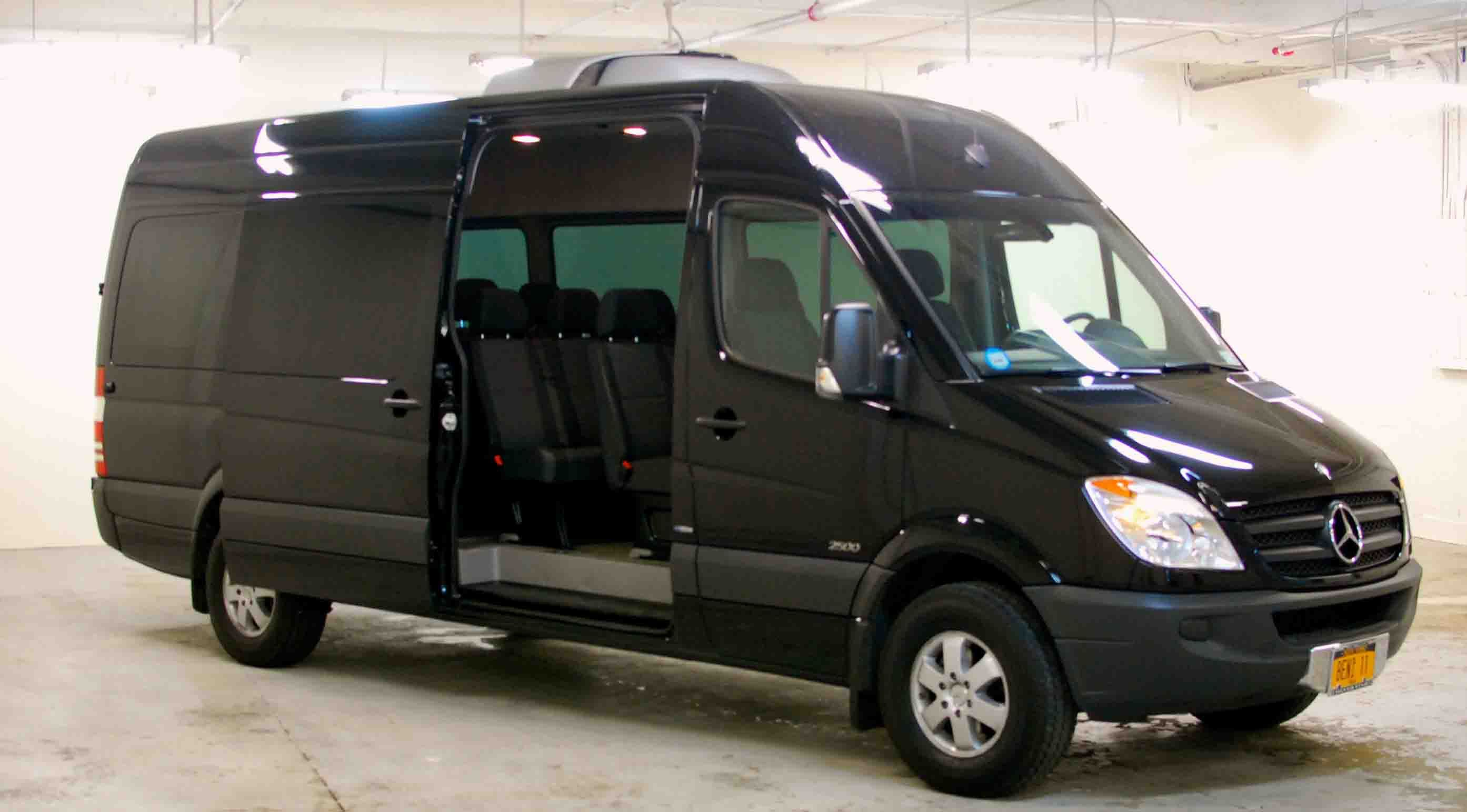 The commercial mercedes benz sprinter van car picture for Mercedes benz sprinter rental