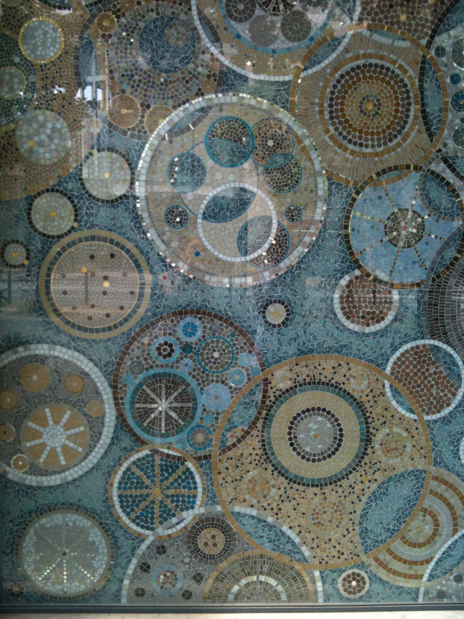 Mosaique Abstract Circles Mosaic Wall