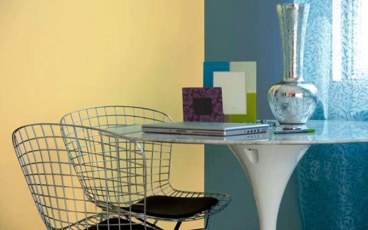 Living Room Corner/ dinning room Feature wall in Isle of Capri 7414 ...