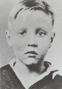 Elvis Presley Childhood Photos Revealed Between 1935 1945