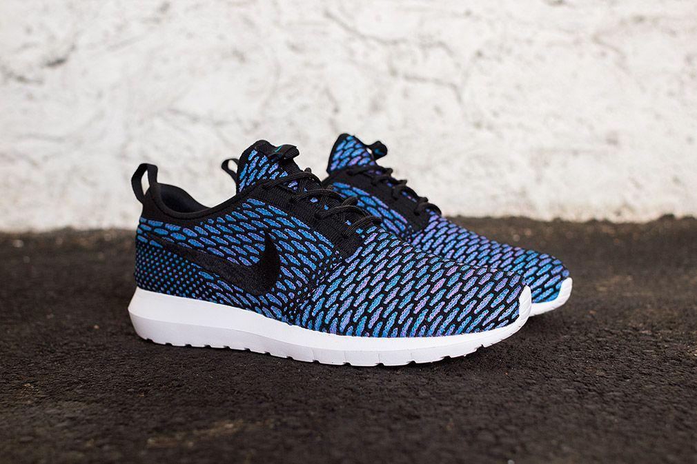 Nike Roshe Course Flyknit Noir / Neo Oeil Bleu Turquoise