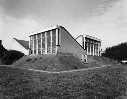 Brunswick Park School, Camberwell (1962) by Gowan and