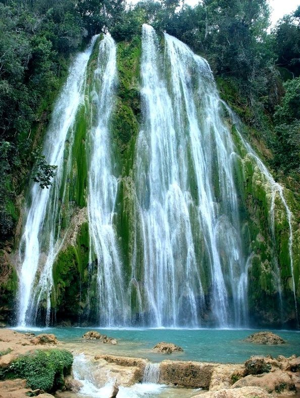 El Limon waterfall, Domincan Republic. This was so beautiful to see!