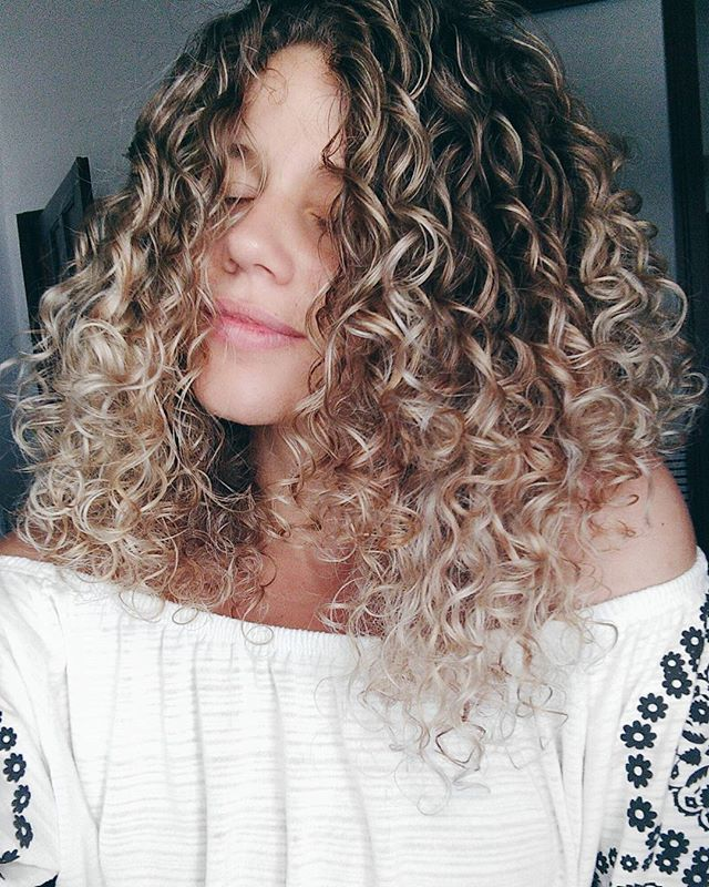 Camila Vieira Highlight Pinterest Curly Hair Goals And Curly