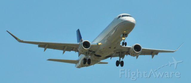ASH Embraer 175 (N86311)